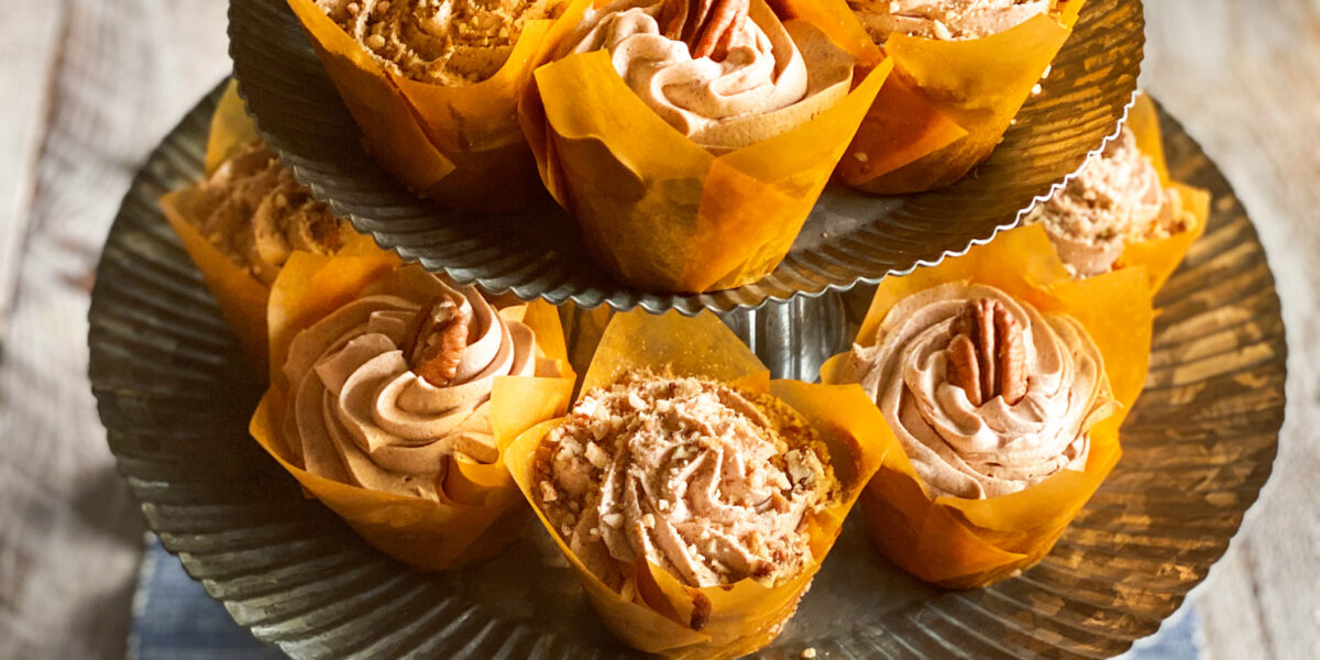 Pecan Cupcakes with Cinnamon Buttercream Frosting