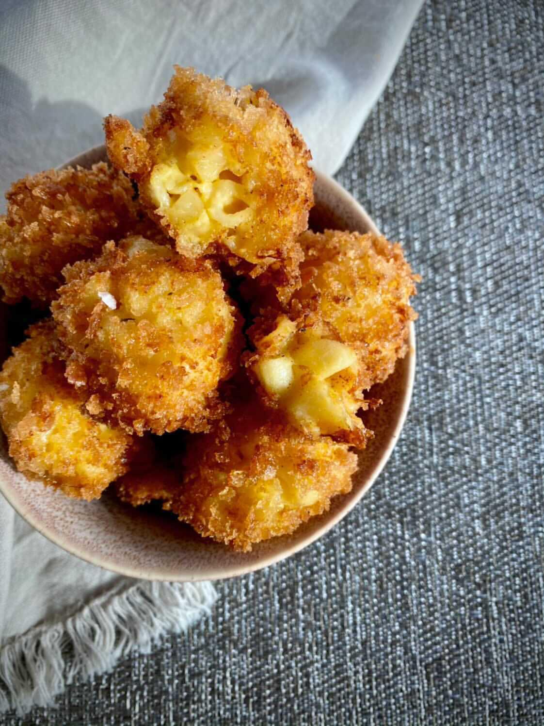 Fried Mac N Cheese Bites
