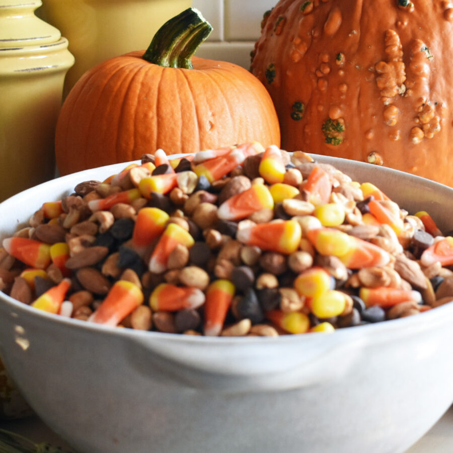 halloween sweet and salty snack mix